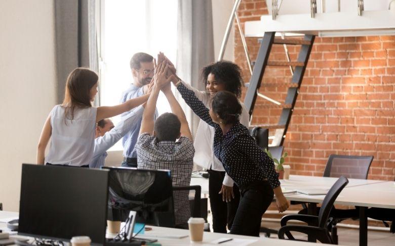 Capa de Como um coworking ajuda na motivação dos seus colaboradores